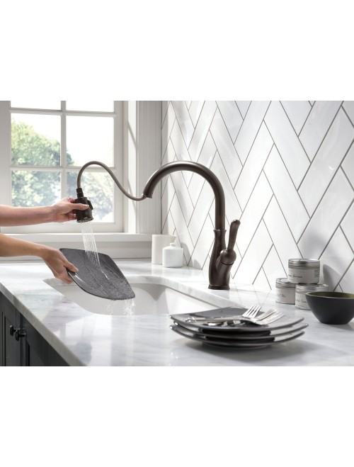Delta Faucet 9178-RB-DST Single Handle Pull-Down Kitchen Faucet